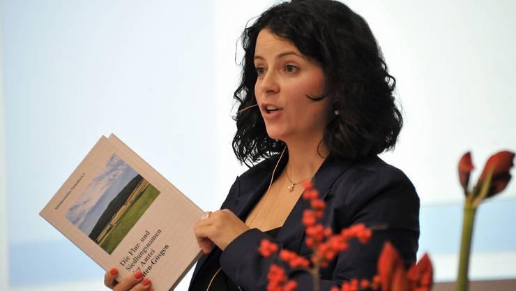 Herausgeberin Jacqueline Reber, Leiterin der Forschungsstelle, an der Buchvernissage in Olten.