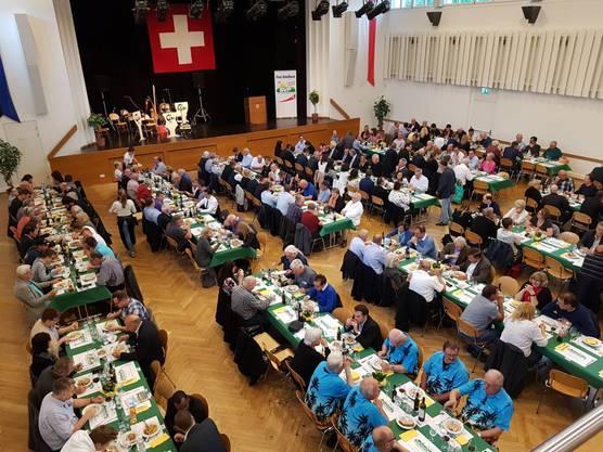 Rund 240 Personen nahmen an der ersten Mai-Tagung der SVP des Bezirks Bremgarten im Casino Bremgarten teil.