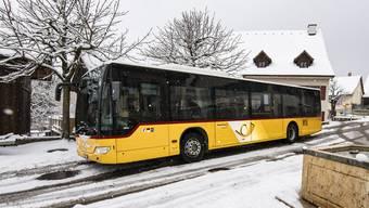 Das Postauto wird in der Laufentaler Gemeinde Blauen bald jede Stunde abfahren. nicole nars-zimmer