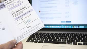 Sicheres Abstimmen per Mausklick: Dies ist ab nächstem Jahr für Stimmberechtigte in sechs Kantonen möglich. (Archivbild)