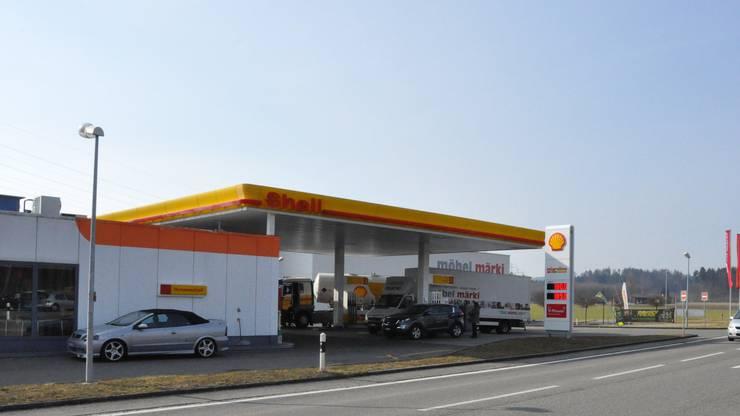 Die Shell-Tankstelle in Hunzenschwil