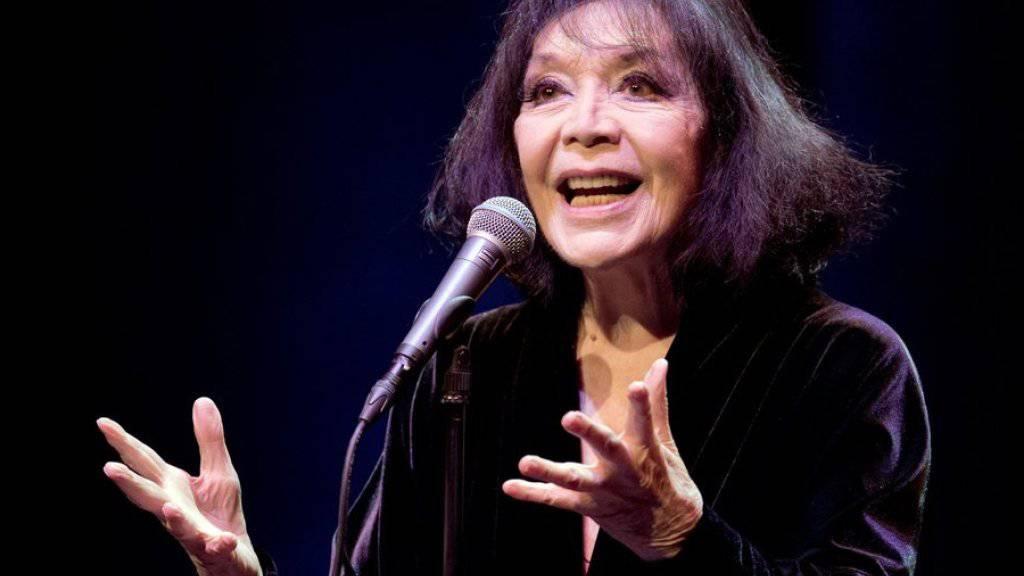 Juliette Gréco steht seit Jahrzehnten auf der Musikbühne. Ein letztes Konzert in Zürich musste die Französin nun ihrer Gesundheit zuliebe absagen. (Archivbild)