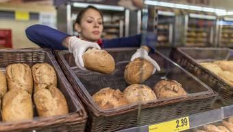Das Angebot von frischem Brot - morgens bis abends - lockte mehr Schweizer Kunden in den Laden.