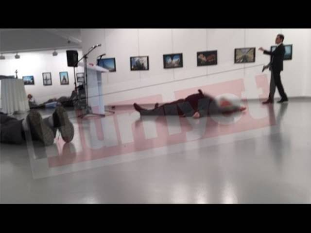 In Ankara wurde der russische Botschafter niedergeschossen.