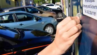Neu sind die Parkplätze gebührenpflichtig. (Symbolbild)