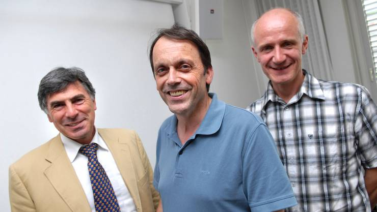 Da war Howalds Welt noch besser: In der Mitte zwischen Christoph Eymann (l.) und Hansjörg Lüking.