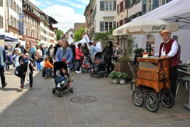 Am 1. Mai fand in der Rheinfelder Altstadt das Frühlingserwachen statt. Die Gewerbler nutzten den Anlass, um ihr Angebot zu präsentieren.
