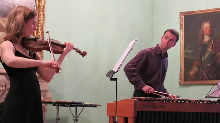 Seit sechs Jahren auf der Bühne: Das Duo Col Legno spielte Werke des 20. Jahrhunderts in der Villa Boveri. Matthias Steimer