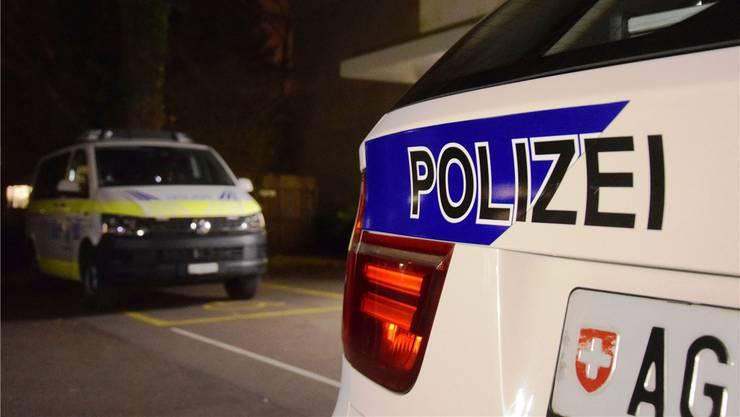 Oft leisten die Patrouillen der Kapo und der Repol gemeinsam Einsatz bei der PDAG in Königsfelden. Archiv AZ