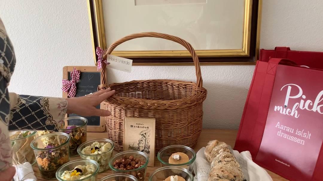 Randen statt Aubergine: Brigitte Herde über den aktuellen Inhalt ihrer veganen Picknick-Körbe.