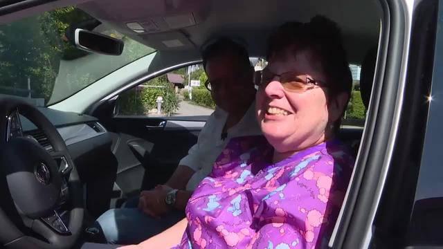 Lotti Diarra freut sich über ihr SommerTalk-Auto