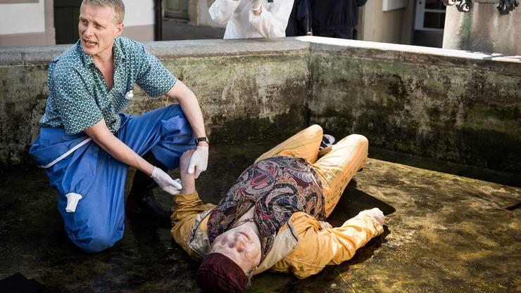 Ermordeter Obdachloser: Martin Ostermeier als Dr. Alois Semmelweis, Urs Bosshardt als Jörre.