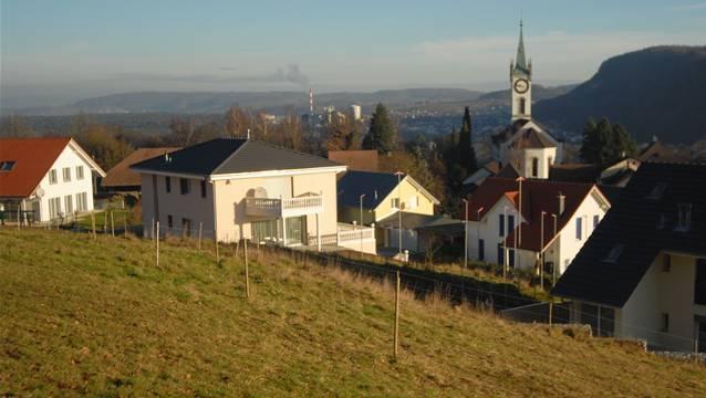 Blick auf das Dorf Rüfenach: In der Gemeinde ist eine kantonale Asylunterkunft geplant.