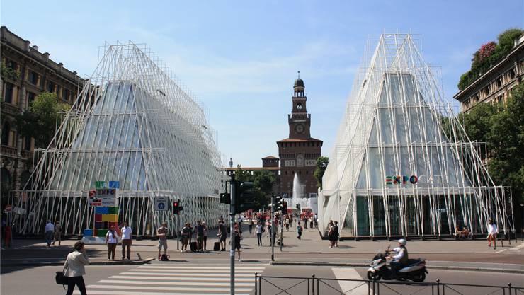 Die Expo ist in Mailand omnipräsent. Hier die Expo-Gate vor dem Castello Sforzesco.