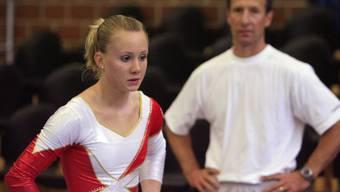 Die Schweizer Turnerin Ariella Kaeslin an einem Wettkampf im Jahr 2007. Auch sie litt unter psychischer Gewalt, die ihre Trainer auf sie ausübten. (Themenbild)