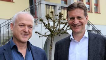 Hanspeter Füglistaler, Leiter Finanzen (links), und Gemeindeammann Christian Baumann freuen sich über den positiven Rechnungsabschluss 2017.