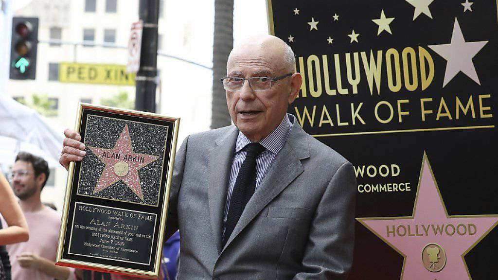 Ein Hollywood-Stern für Allan Arkin