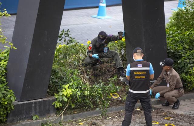 Die thailändische Regierung sprach am Freitag von Vorfällen mit Bomben. Nach Angaben von Rettungskräften wurden bei einer Explosion ausserhalb des Stadtzentrums zwei Frauen verletzt.