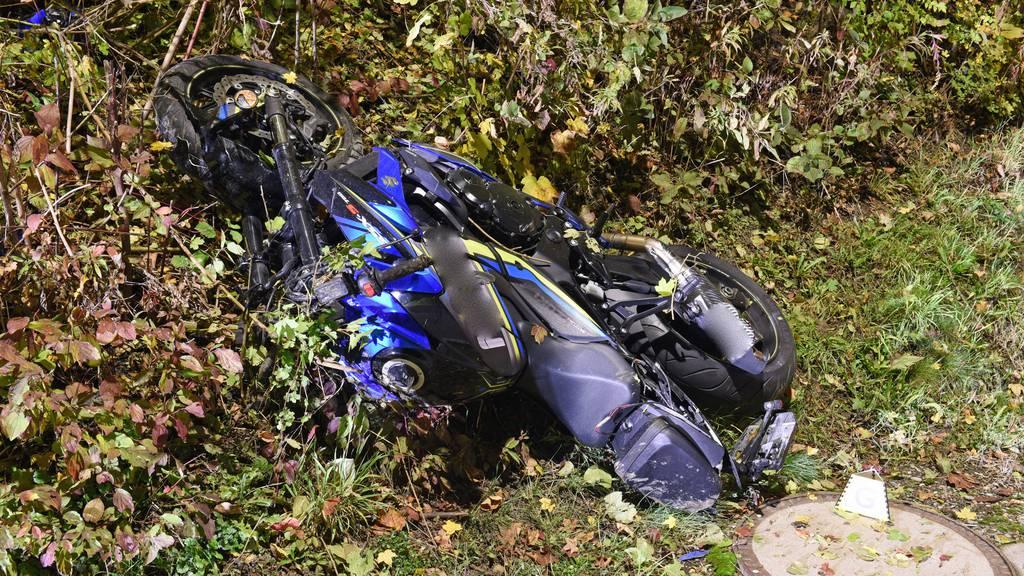 Motorradfahrer kommt bei Verkehrsunfall ums Leben