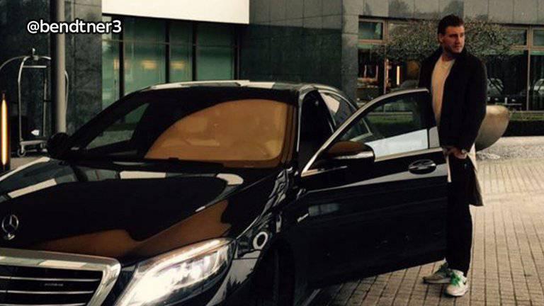 «Lord» Bendtner hat seinen Instagram-Post mit Mercedes unterdessen gelöscht.