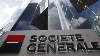 Weniger Gewinn als im Jahr zuvor: Logo der Bank Société Générale in Paris (Archivbild).