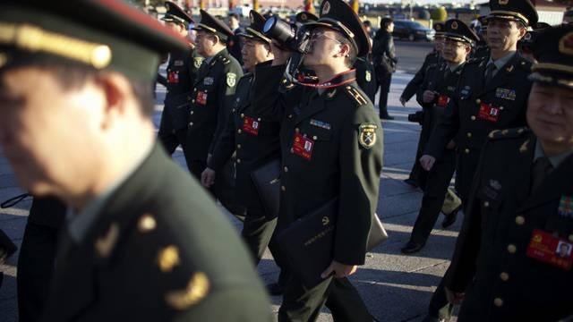 Für sie soll es künftig weniger Luxus geben: ranghohe chinesische Militärs (Archiv)