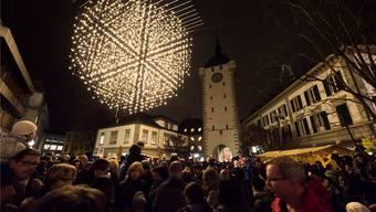Kinder haben mit ihren Glöcklein über 10'000 Lichter in der Altstadt geweckt