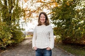 Petra Gössi, 44, ist Juristin und arbeitet als Rechts-, Steuer- und Unternehmensberaterin in Zürich. Die Schwyzerin war von 2004 bis 2011 Kantonsrätin, ab 2008 war sie Fraktionschefin der FDP. In den Nationalrat wurde Gössi 2011 gewählt. Die freisinnigen Delegierten wählten sie 2016 zur Parteipräsidentin. (be.)