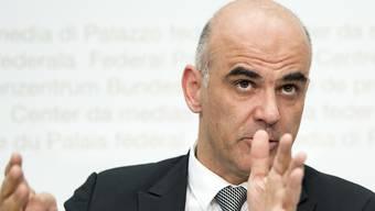 Im zarten Alter von 28 Jahren vertrat Alain Berset bereits die SP im Verfassungsrat des Kantons Freiburg.