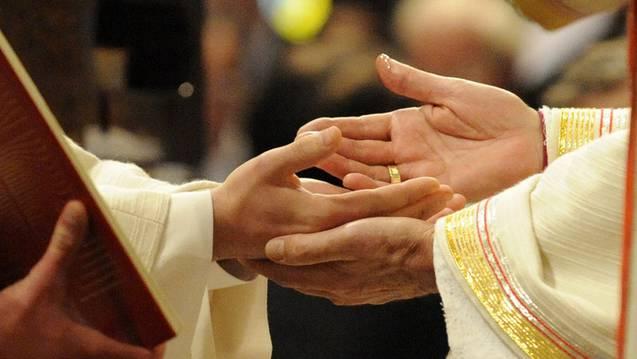 Dem Bistum Basel sind angeblich keine arbeitslosen Priester bekannt. (Symbolbild)