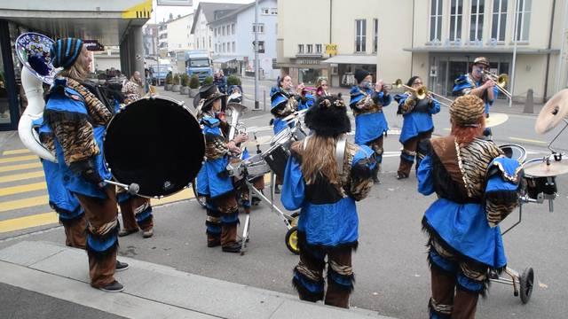 Zur Fasnachtseröffnung in Wohlen spielten die «Nordfäger» auf