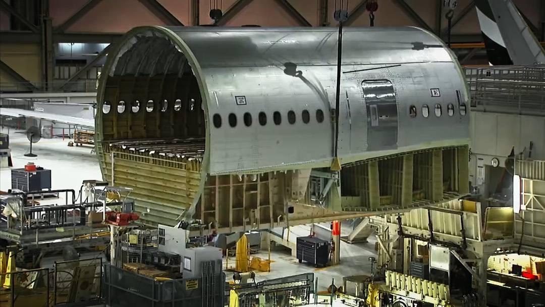 Zeitraffer-Video: So schell baute Boeing die neue Triple Seven der Swiss zusammen