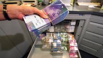 Die Aargauer Pensionskasse APK hat 60 Millionen Franken von diversen Arbeitgebern zugute. (Symbolbild)