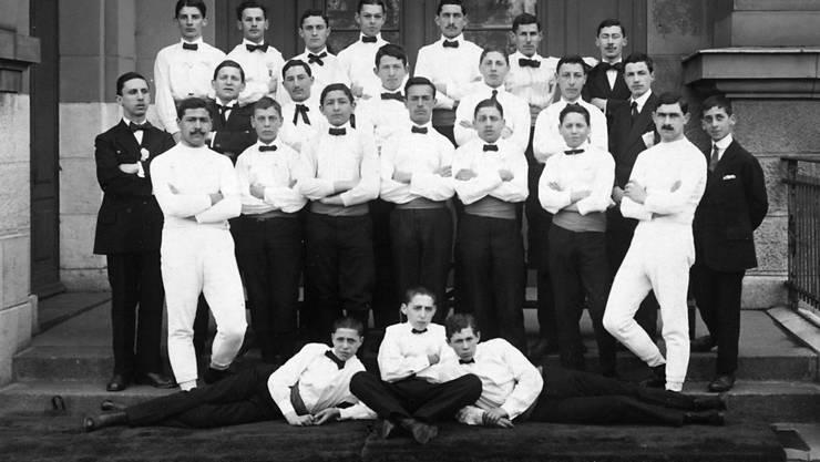 Die Anfänge: Die Akiven des Jüdischen Turnvereins 1915.
