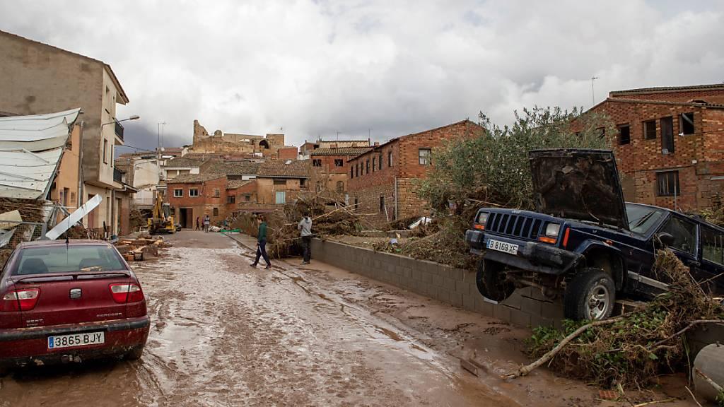 Ein Toter und fünf Vermisste nach heftigem Regen in Nordspanien