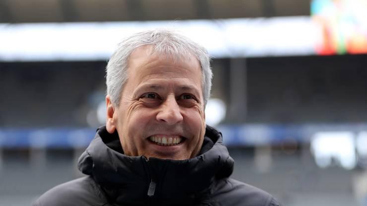 Lucien Favre kann nach dem Sieg in Berlin wieder lachen.