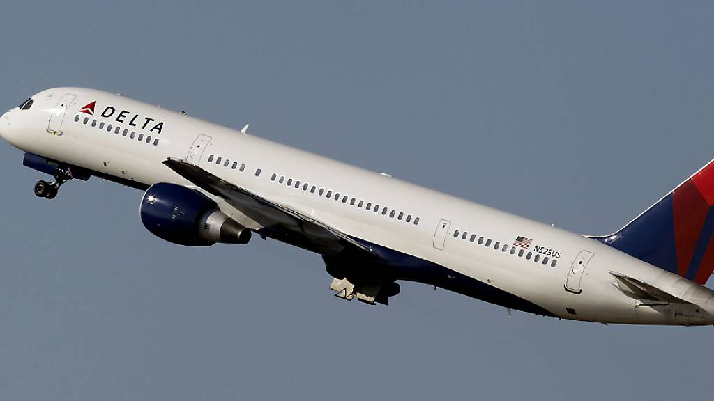 Die US-Fluggesellschaft Delta sieht die Ticketnachfrage von US-Privatkunden bereits wieder auf Vor-Coronaniveau. (Archiv)