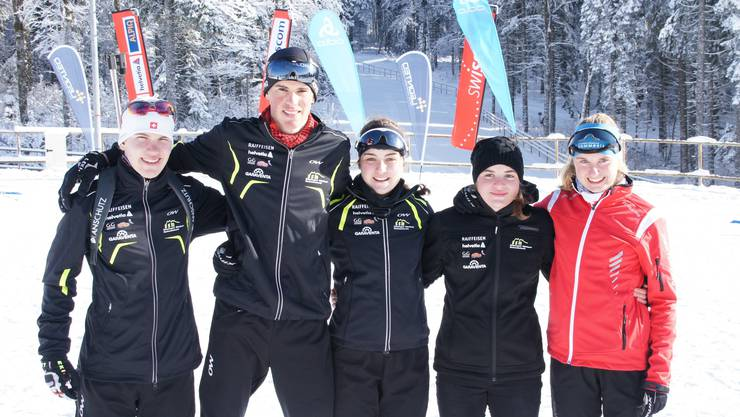 Die erfolgreichen Biathletinnen und Biathleten aus der Region.v.l.n.r. Matthias König, Janick Schaub, Aline König, Seraina König, Annatina Bieri.