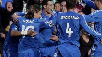 Gareth Bale (m.) traf per Freistoss zum 2:0 für Real Madrid.