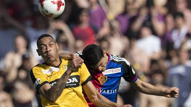 Sind eines von sechs Teams, das gegen den FC Basel zumindest in einer Saison eine positive Bilanz vorzuweisen hat(te): die Young Boys, im Bild mit Guillaume Hoarau