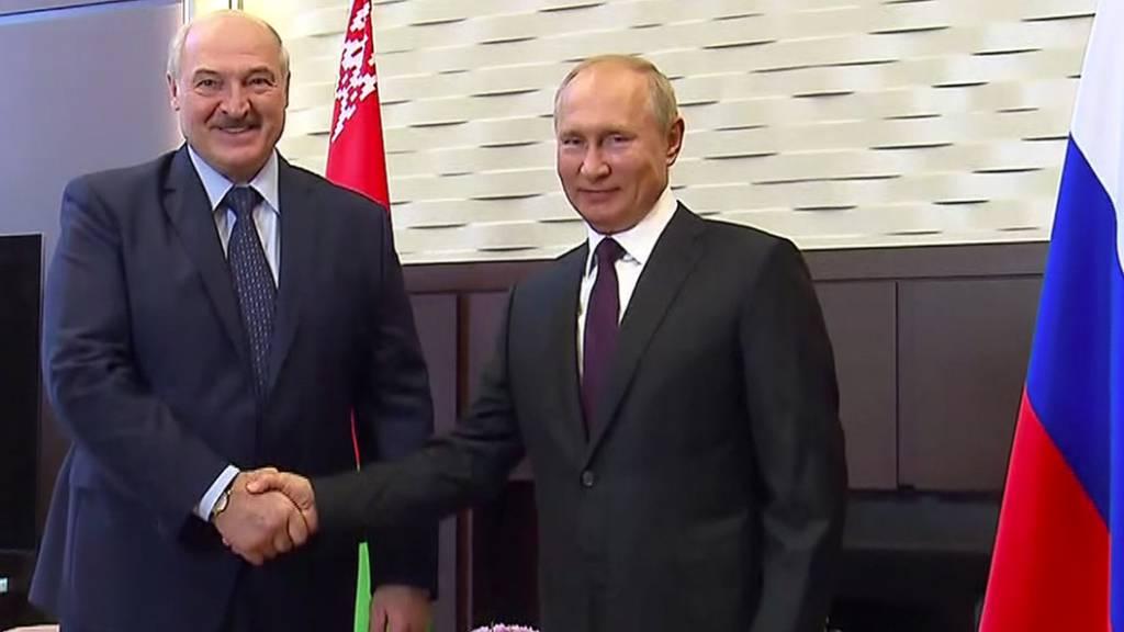 Putin unterstützt Lukaschenko mit Milliardenkredit