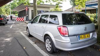 Der Opel steht seit zwei Monaten vor dem Grenzübergang Otterbach.