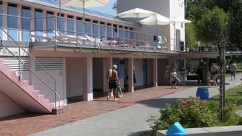 Das Gebäude des Schwimmbads hat Hector Egger gezeichnet.