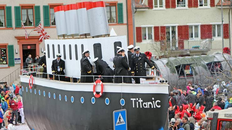 Breitenbach - Titanic aus Liesberg - gestrandet und gefeiert am Hirzenbacher Fasnachtszumg.
