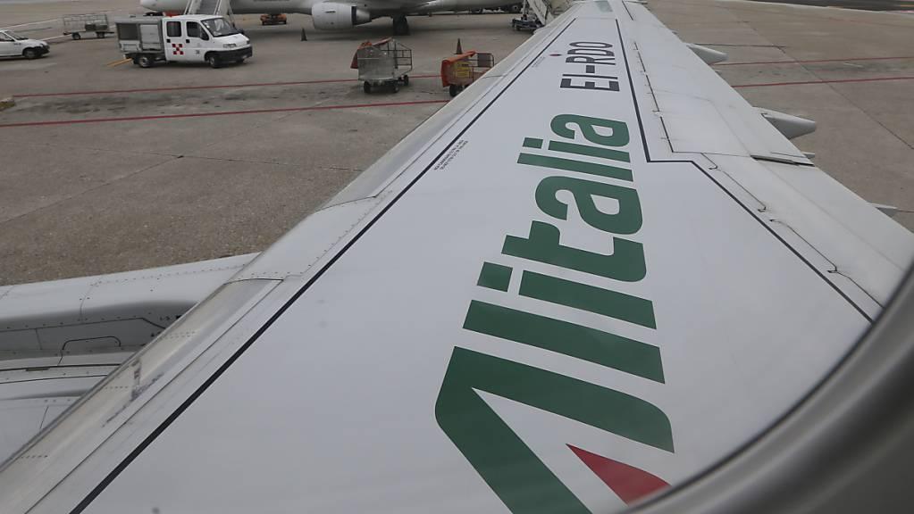 Die Gewerkschaften haben den Streik wegen der ungewissen Zukunft der Alitalia ausgerufen, die verkauft werden soll. (Archivbild)