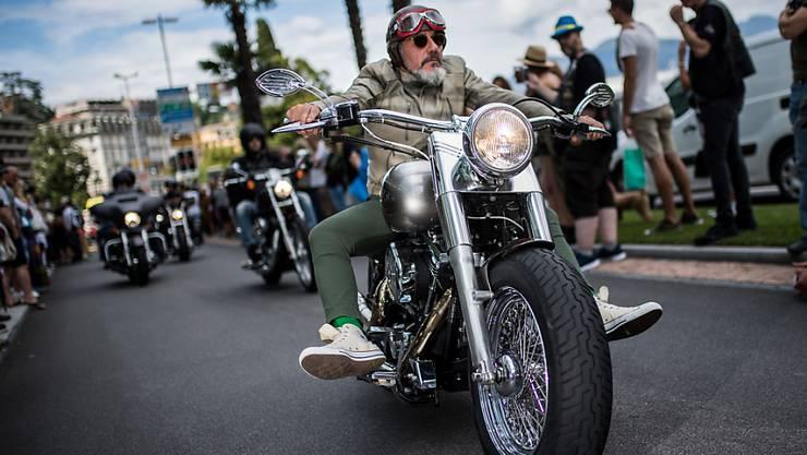 Die EU erwägt im Handelsstreit mit den USA künftig u.a. Harley-Motorräder, Whiskey, Orangensaft, Kosmetika und Kleidung mit Zöllen zu belegen. (Archiv)