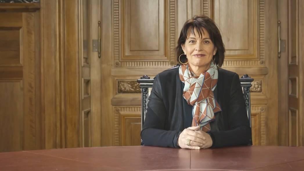 «Halbe-halbe!» Schweizer Politikerinnen fordern mehr Frauen im Parlament