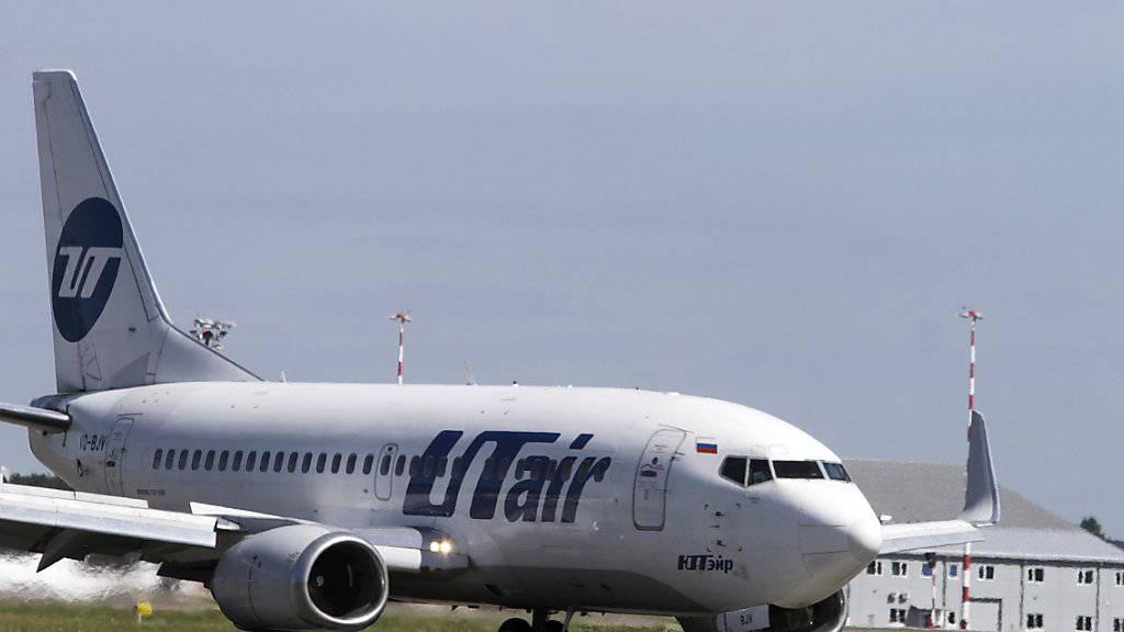 Eine Boeing 737 der russischen Fluggesellschaft Utair, wie sie am Flughafen von Sotschi verunglückt ist. Bei der Bruchlandung sind 18 Menschen verletzt worden.