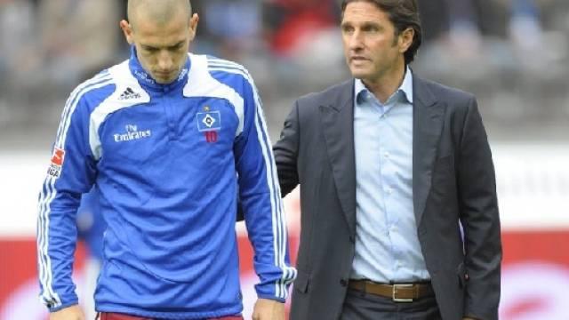 Enttäuschter Petric (links) mit Trainer Labbadia