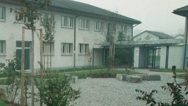 Innenhof der Strafanstalt Hindelbank: Häufig wurden Jugendliche einfach weggeschlossen. Gerichtsurteile gab es keine. (Archiv)